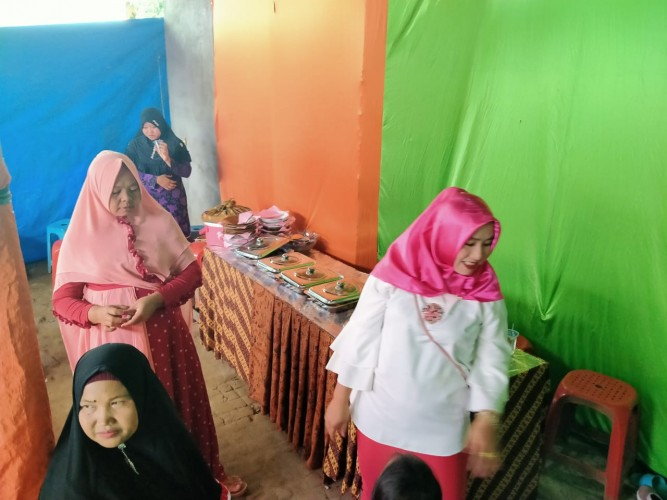 Pesta Pernikahan di Pasar Liwa Dibubarkan