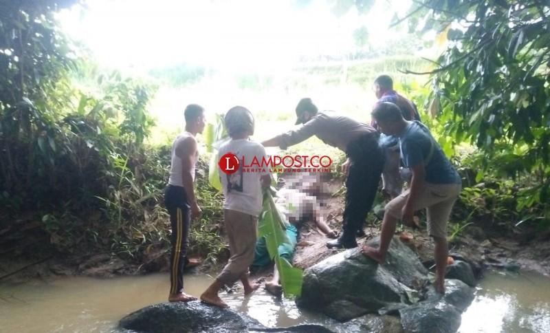 Petani di Merbau Mataram Tewas Tersambar Petir