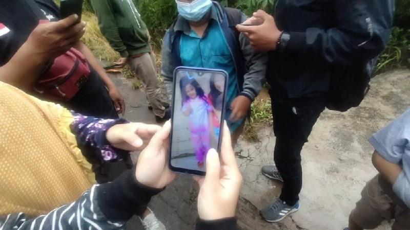Petugas Belum Temukan Bocah 5 Tahun yang Terseret Arus Parit