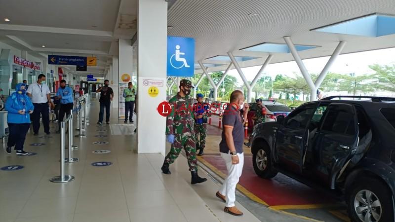 Petugas Gabungan Amankan Bandara Jelang Kedatangan Syekh Ali Jaber