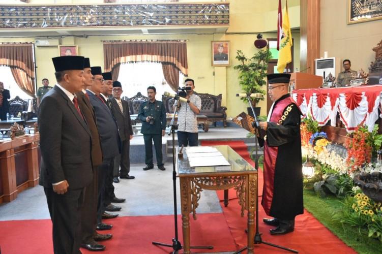 Pimpinan DPRD Lamtim 2019-2024 Resmi Dilantik