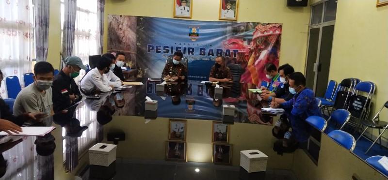 Pj Bupati Pesisir Barat Dorong Wartawan Promosikan Pariwisata
