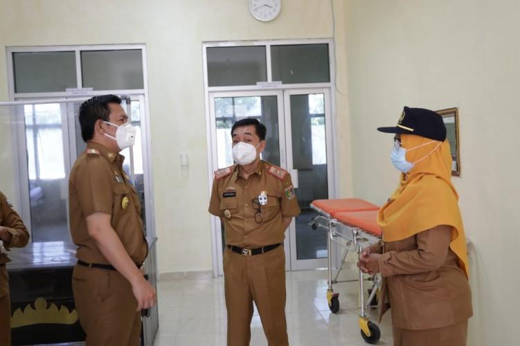 Pjs Bupati Pesisir Barat Tinjau Kinerja Pelayanan Kesehatan di Puskesmas dan Rumah Sakit