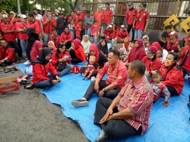 Plt Bupati Lamsel Akan Bantu Karyawan PT SBB