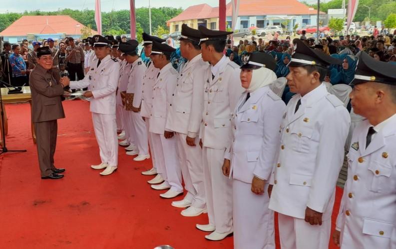 Plt Bupati Mesuji Lantik 21 Kepala Desa