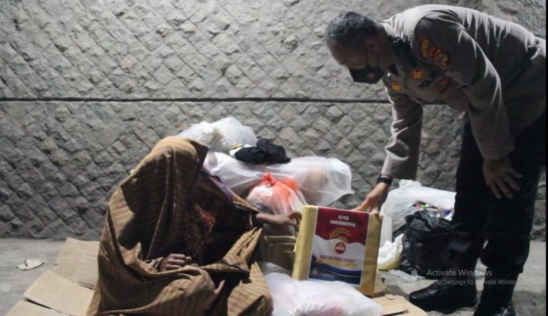 Polda Lampung Salurkan Ratusan Bansos untuk Warga