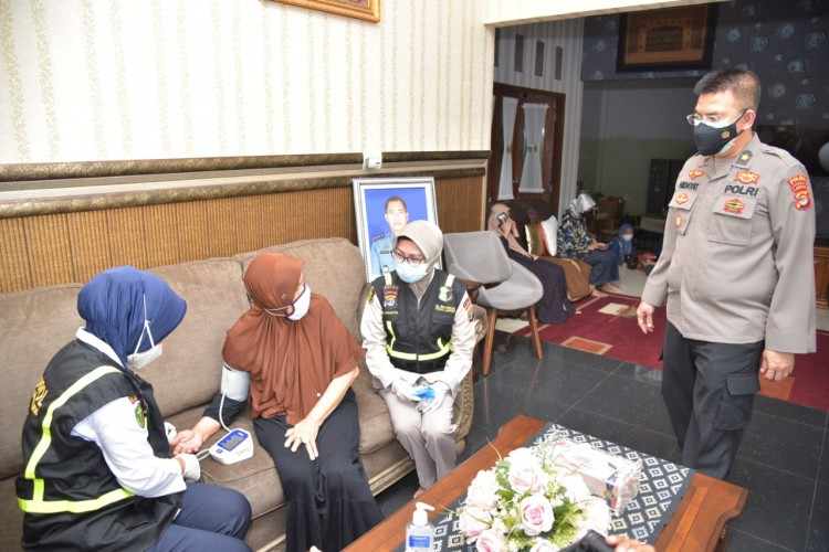 Polda Lampung Beri Pendampingan Psikologis untuk Keluarga Korban KRI Nanggala-402