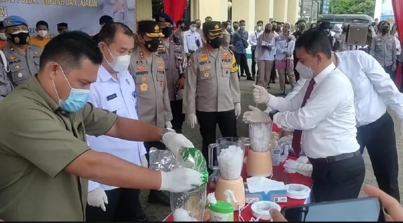Polda Lampung Blender 52 Kilogram Sabu dan 13 Ribu Butir Ekstasi