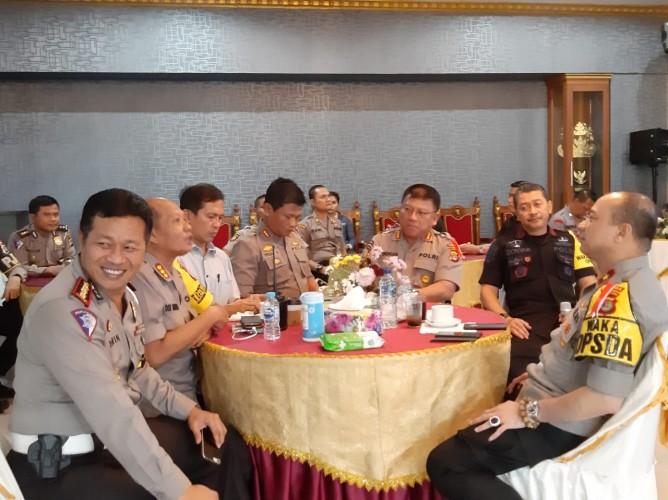 Polda Lampung Siapkan 1/3 Personel untuk Standby Bantu Korban Banjir Pesawaran