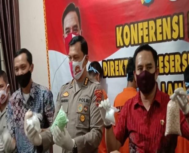 Polda Sita 955 Gram Sabu dan 8.400 Ekstasi Asal Riau