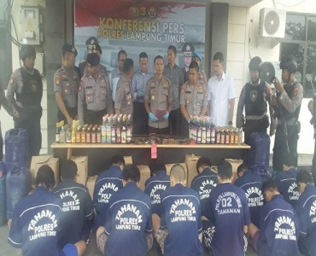 Polisi Amankan 21 Senpi Rakitan dalam Operasi Cempaka di Lamtim