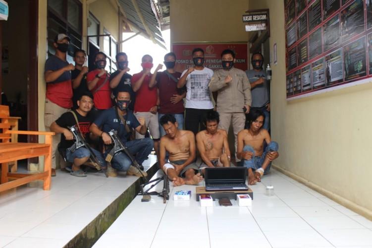 Polisi Bekuk Tiga Perampok di Pekon Sidoharjo