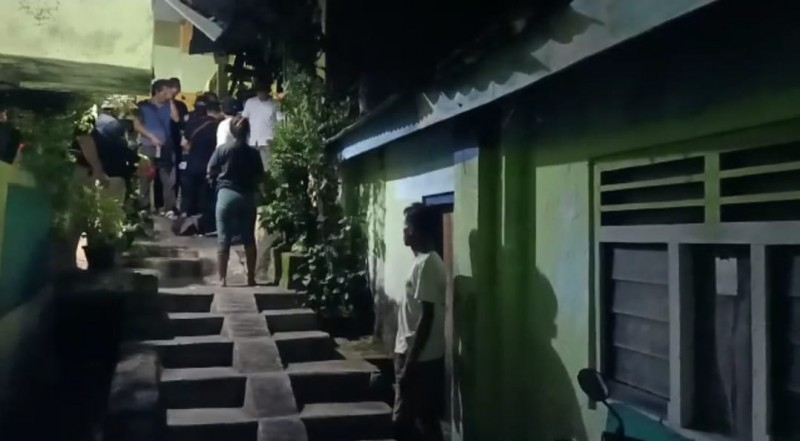 Polisi Gerebek Bandar Sabu di Gunungsari