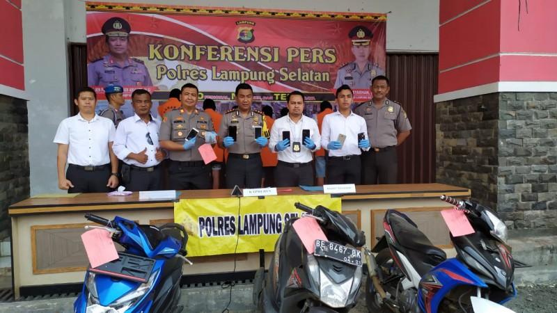 Polisi Tangkap Tiga Pencuri Puluhan HP di Ketapang