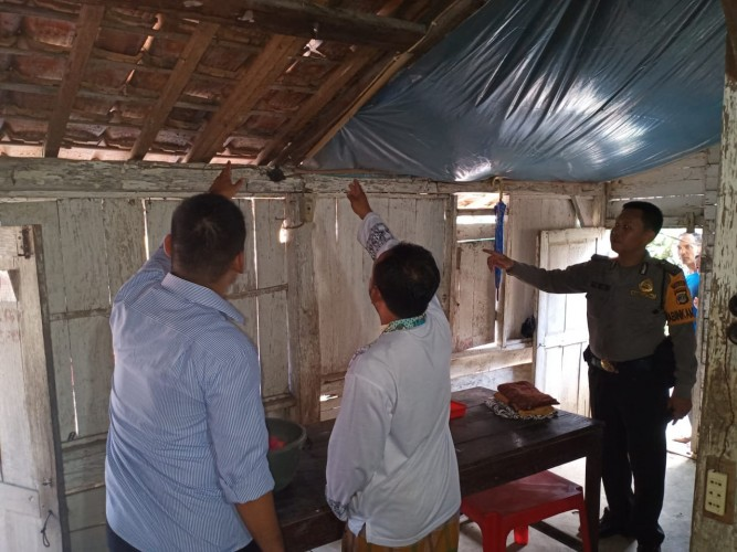 Polisi Olah TKP Kasus Gantung Diri di Tulangbawang Tengah