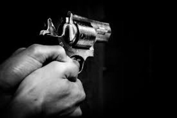 Polisi Periksa Perwira Kokang Senjata di Media Sosial