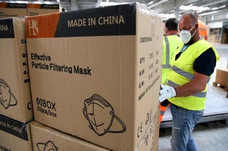 Polisi Prancis Sita 140 Ribu Masker Pasar Gelap
