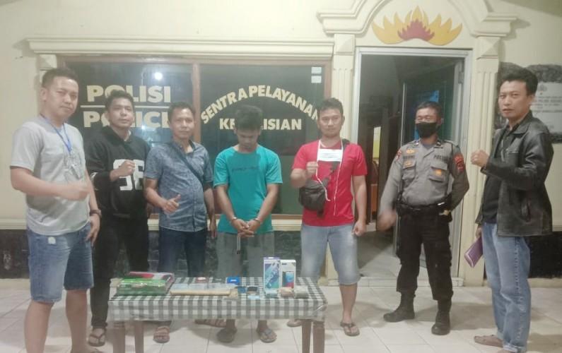 Polisi Ringkus Pembobol Konter HP di Banjaragung