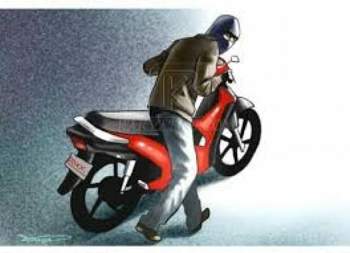 Polisi Ringkus Sepesialis Pencuri Sepeda Motor Parkir