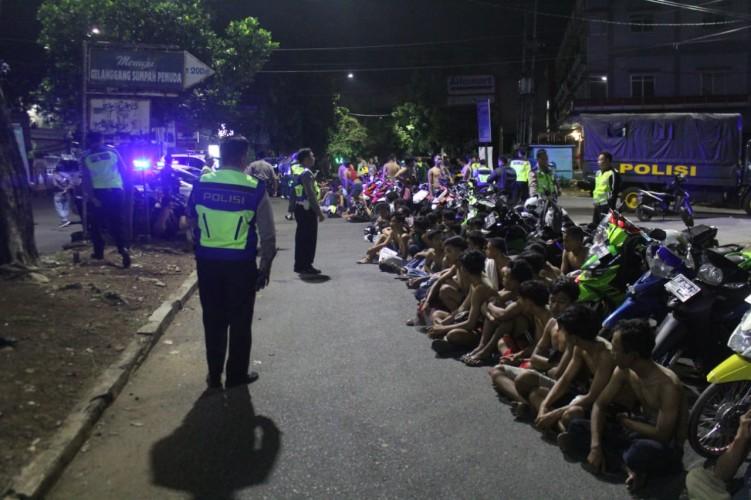 Polisi Sita 71 Motor saat Razia Balap Liar