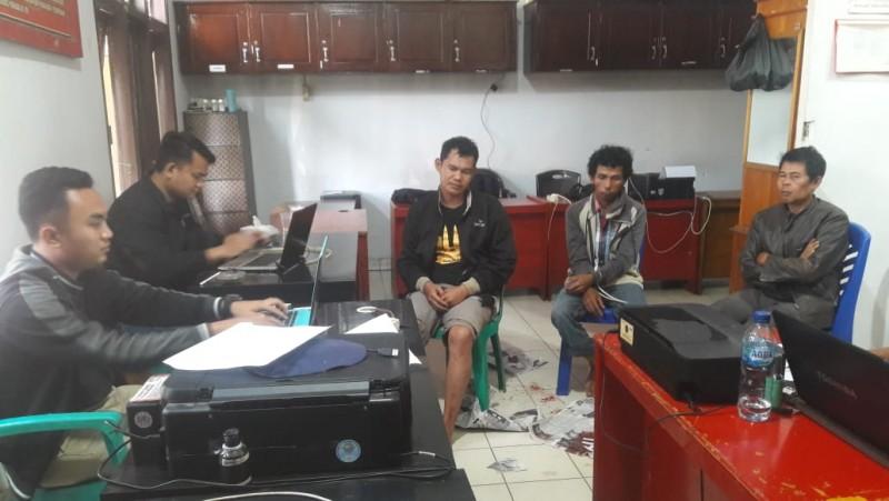 Polisi Tembak Kawanan Pencuri Mobil Pikap di Lampura
