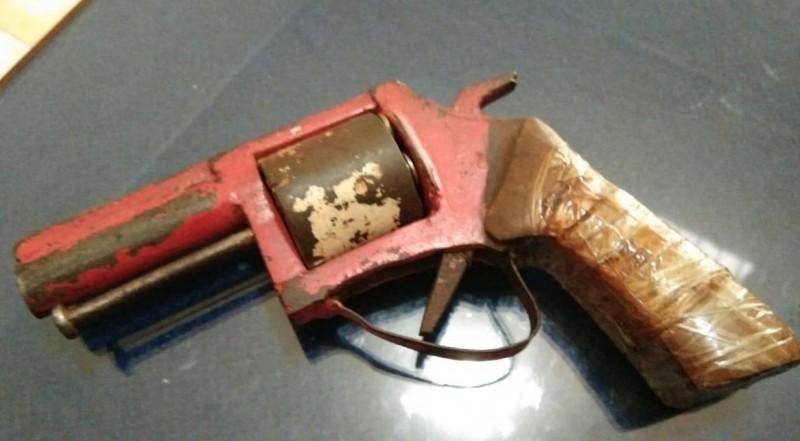 Polisi Temukan Senpi Rakitan dalam Penangkapan 3 Pengedar Sabu