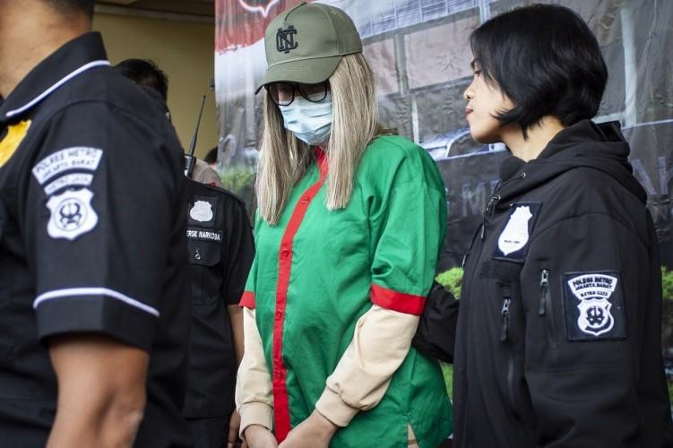 Polisi Ungkap Surat Pergantian Kelamin Lucinta Luna