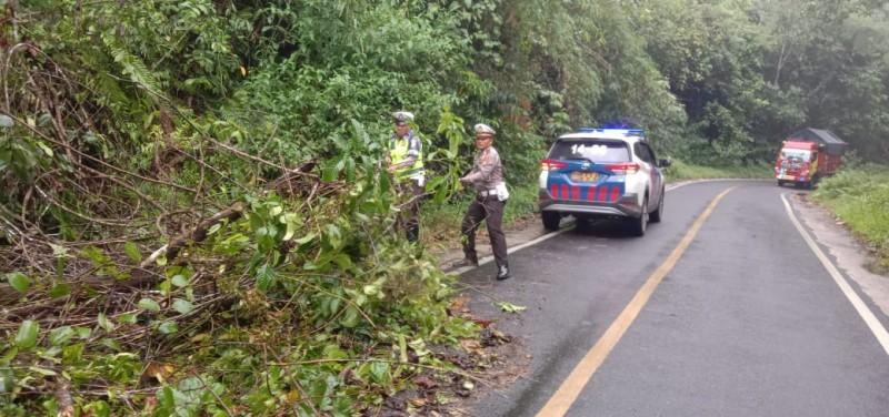 Polres Lambar Petakan Jalan Rawan Bencana