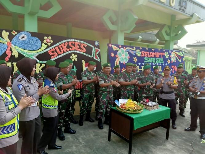 Polres Lampura Kompak Ucapkan Selamat HUT TNI