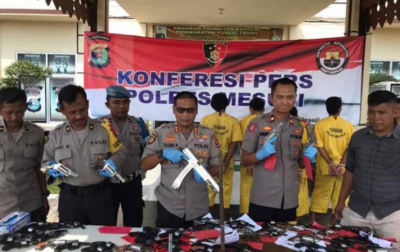 Polres Mesuji Amankan 58 Senpi Rakitan Selama OperasiSikat Krakatau 2019