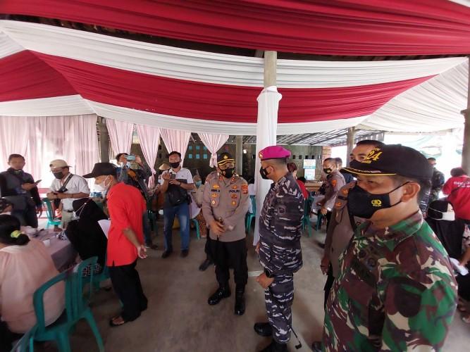 Polri-TNI AL Kebut Vaksinasi di Pringsewu