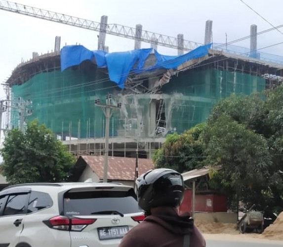 Polsek Gali Keterangan Ahli Konstruksi soal Apartemen Ambrol di Bumi Waras