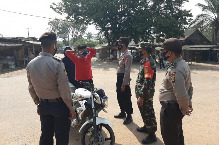 Polsek Pakuanratu Gelar Operasi Yustisi di Kampung Serupa Indah