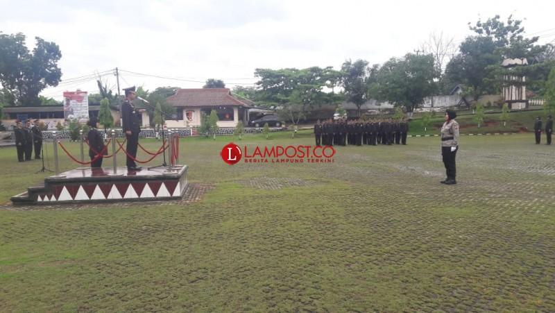 Polwan Polres Lampung Utara Jadi Petugas Upacara Hari Ibu