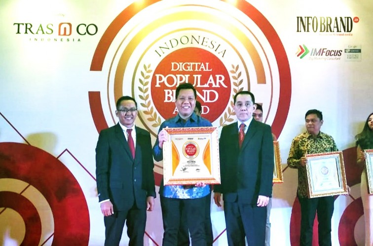 Polytron Raih Indonesia Digital Popular Brand Award 2018 Untuk Produk Water Dispenser