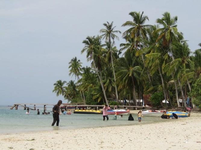 PPKM Lampung Turun, 600 Tiket per Hari Terjual di Pulau Mahitam