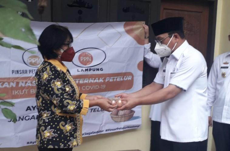 PPN Lampung Serahkan Bantuan Ribuan Telur Bagi Warga Terdampak Covid-19