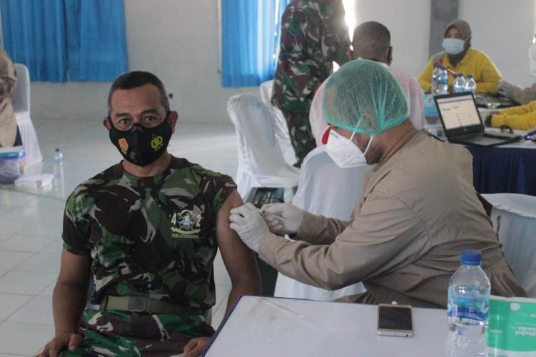 Prajurit Marinir Kebut Vaksinasi di Piabung