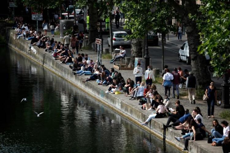 Prancis Laporkan Kenaikan Kasus Covid-19 Terendah Sejak Lockdown