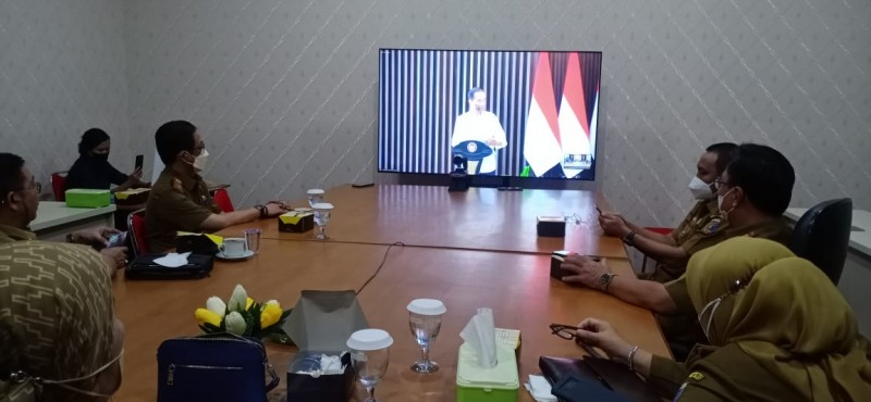 Presiden Jokowi Imbau Pemda Sinergi Hentikan Covid-19