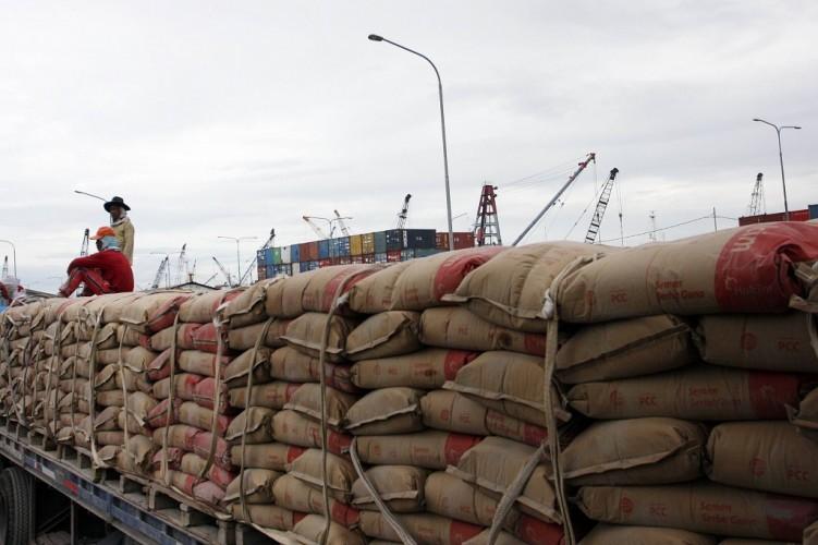 Produksi Semen di Indonesia Berlebih