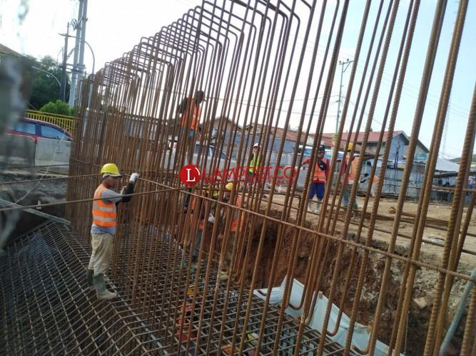 Progres Pembangunan Jalan Layang Sultan Agung Capai 15 Persen