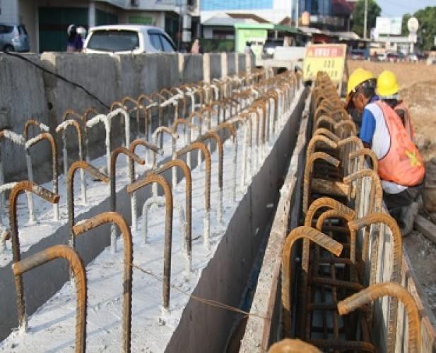 Proyek Flyover Sultan Agung Baru Pembuatan dan Pengecoran Tiang