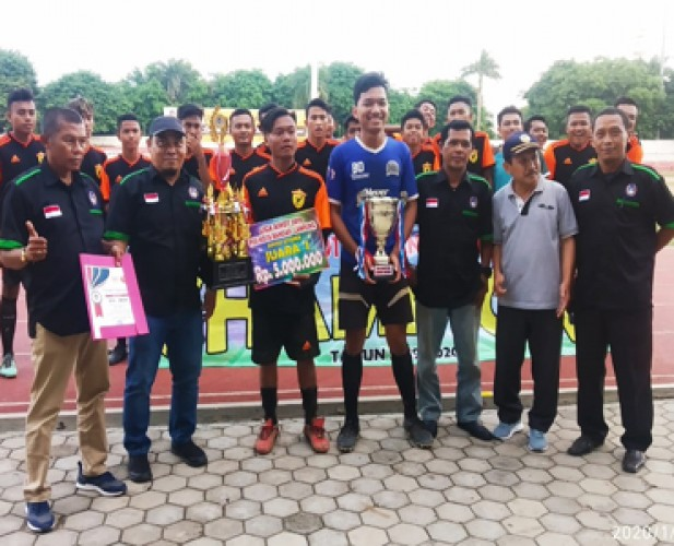 PS BSI Angkat Trofi Liga Askot PSSI Bandar Lampung