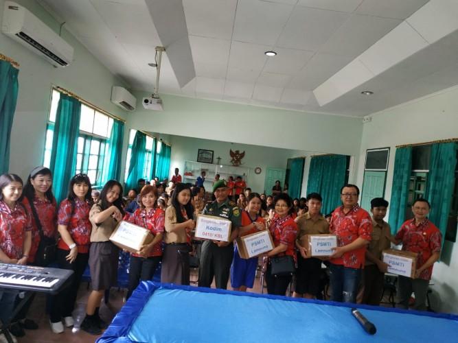 PSMTI Lampung Bagikan 200 Bingkisan Imlek