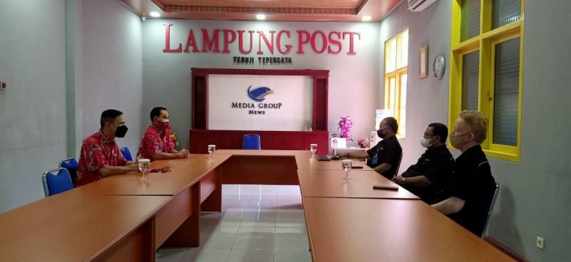 PSMTI Lampung Bagikan 50 Paket Sembako untuk Warga