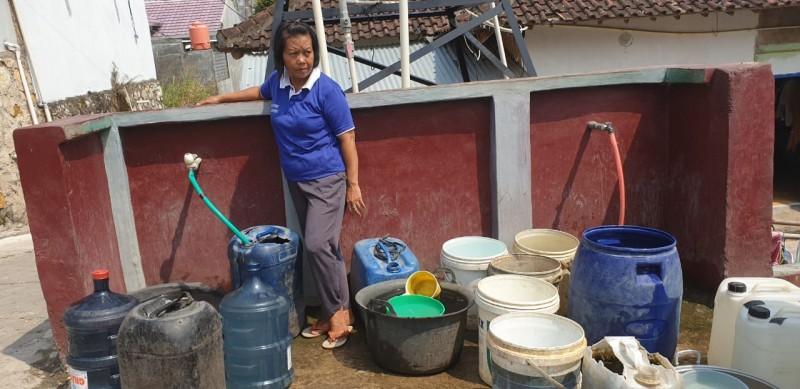 PT KAI Salurkan Bantuan Air Bersih