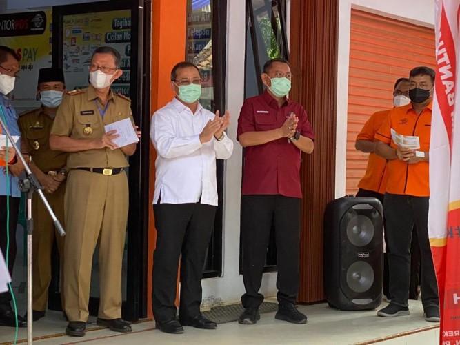 PT Pos Gunungsugih Salurkan BST Tahap Sembilan
