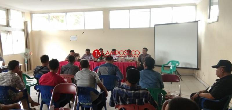 PT STP Klaim tak Cemari Sungai, Tapi Bahan Baku Pakan yang Tumpah