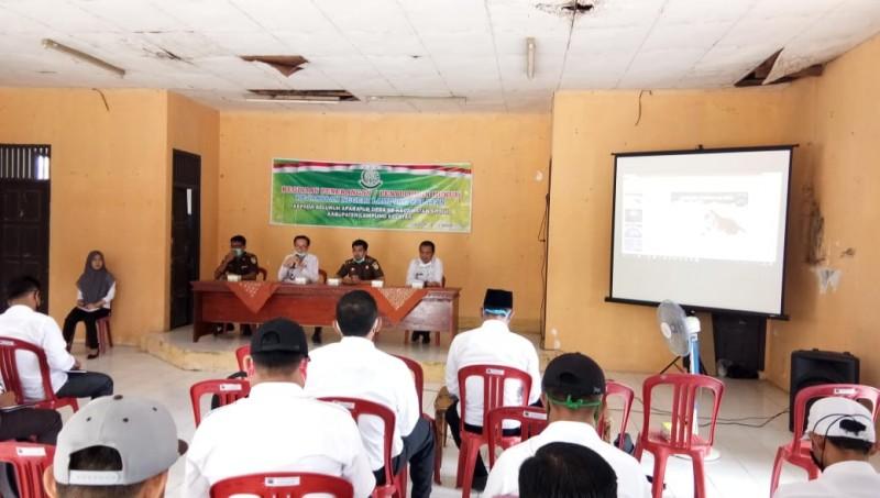 Puluhan Aparat Desa di Sragi Ikuti Penyuluhan Hukum dari Kejari